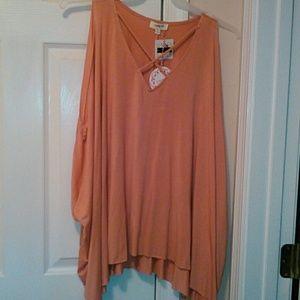Umgee cold shoulder blouse size M